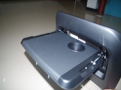 All series vehicle rear seat table